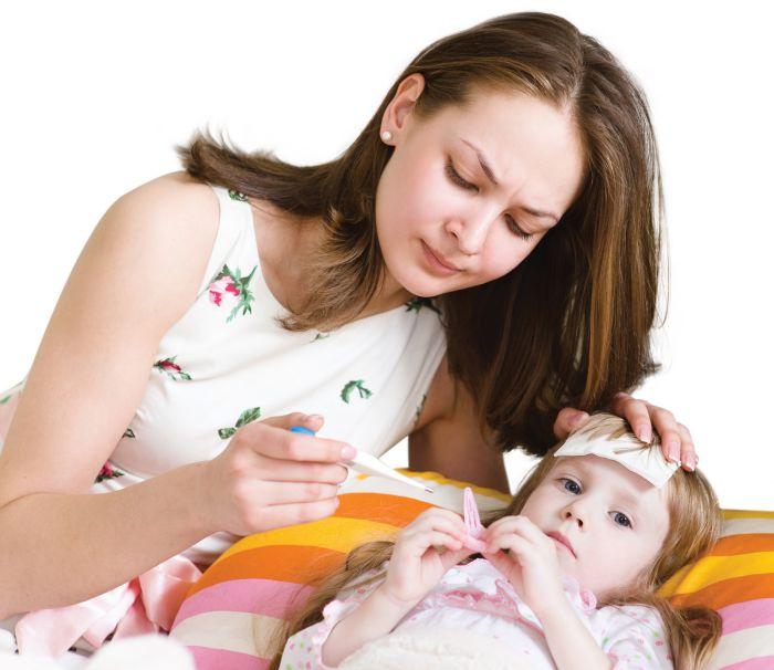 chăm sóc trẻ sốt phát ban tại nhà