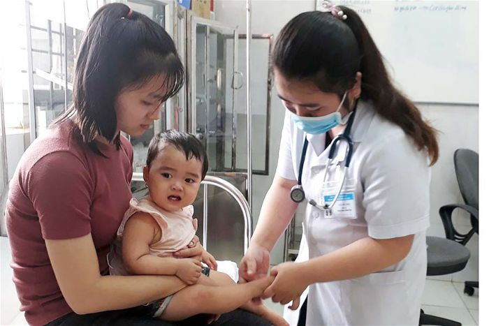 Điều trị bệnh tay chân miệng ở trẻ em