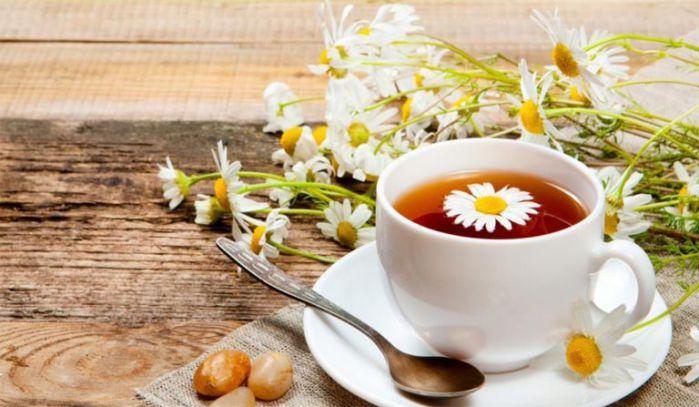 cách trị đau họng với trà hoa cúc