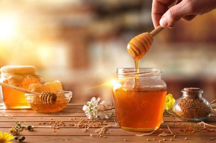 cách trị đau họng với mật ong