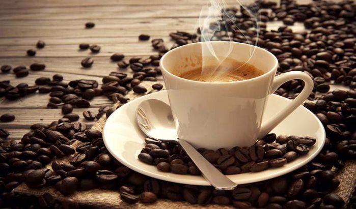 đau dạ dày kiêng đồ uống chứa caffeine và cồn