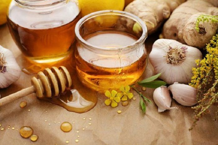 Tỏi mật ong chữa rụng tóc sau sinh